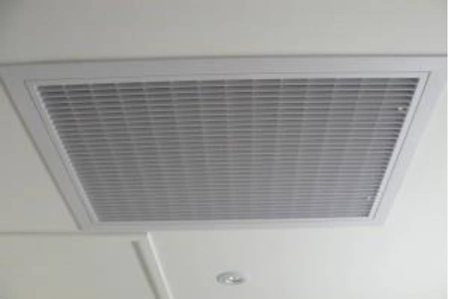 Cleaning Ducted Heat Pump Filters